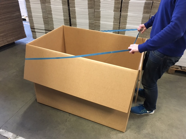 palettenspannb nder helfen beim bequemen bef llen umbach verpackungen aachen. Black Bedroom Furniture Sets. Home Design Ideas